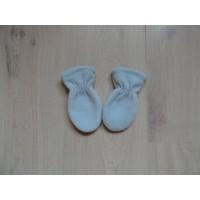 IJsblauwe baby wantjes