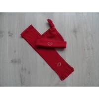 """2 dlg rode set muts/sjaal """"zilveren hart"""""""