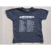 "Hans Textiel Basics donkergrijs t-shirt ""Tour of 1984"" mt 92"