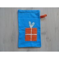 Cadeau-/ Strooigoed zak fleece oranje/ blauw 25x43 cm