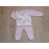 Feetje roze/witte, giraffen pyama mt 86