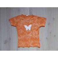 T-shirt oranje gebatikt vlinder mt 122-128